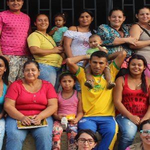 Colombia: Promotoras de salud, una iniciativa de construcción de paz