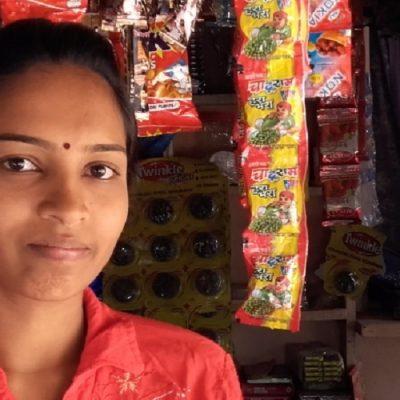 India: la formación en habilidades para la vida ayuda a los refugiados a mantener a sus familias