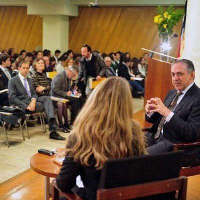 """En congreso """"Católicos y Vida Pública"""" analizan rol del católico frente al servicio público, inmigración, cultura y política"""