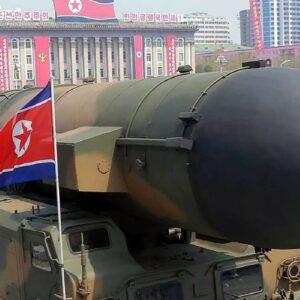 De misiles y armas nucleares