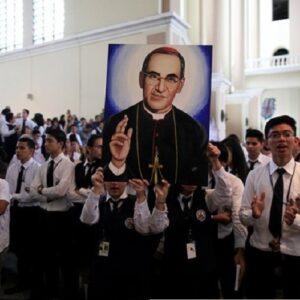 """""""Caminando hacia la cuna del Profeta"""". Peregrinación por los 100 años del nacimiento del Beato Romero"""