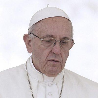 Papa: terrorismo cruel, Dios nos ayude a trabajar por la paz en el mundo