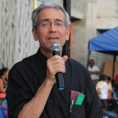 El P. Francisco de Roux, un jesuita movilizado por una fuerza espiritual que le desborda y lo lleva a luchar por la paz