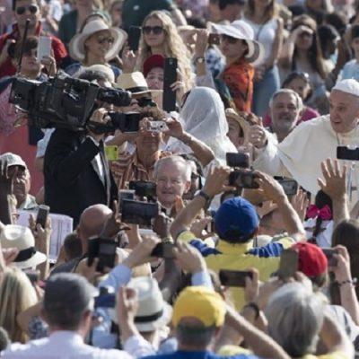 """El Papa en la catequesis: """"toda vocación verdadera inicia con el encuentro con Jesús"""""""