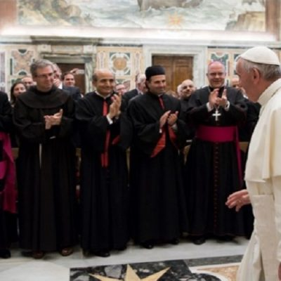 """El Papa a nuevos Obispos: """"Discernir con humildad y obediencia con el pueblo y para el pueblo de Dios"""""""