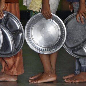"""Mons. Fernando Chica: """"Para terminar con el hambre en el mundo es necesario invertir en la paz"""""""