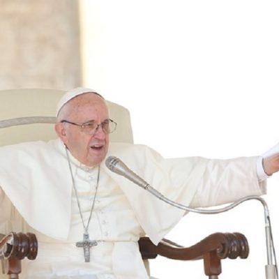 El Papa Francisco lanzó la campaña de Caritas en favor de los migrantes: Iglesia que abraza como nos pide Cristo