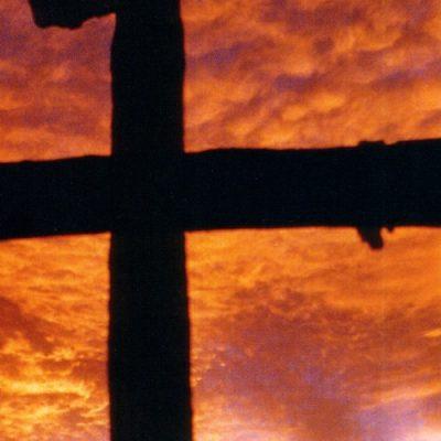 Ante Dios nos encontramos todos con las manos vacías, pero esperando en su misericordia, explica el Papa en Catequesis