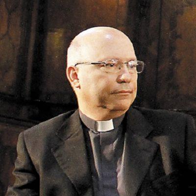 Mons. Fernando Ramos continúa como Secretario General de la CECh