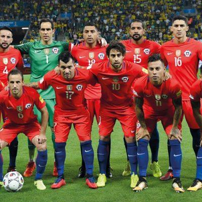 """""""Se juega como se vive"""". ¿Qué selección de fútbol para qué Chile queremos?"""