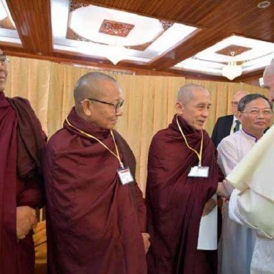 """Francisco, a los líderes religiosos: """"La colonización cultural está matando a la humanidad"""""""