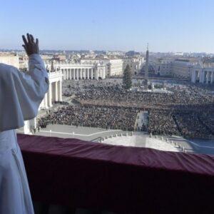 El Papa, Mensaje Navideño: construir un mundo más humano para los niños de hoy y mañana