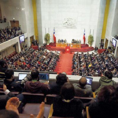 El regreso de la política a las elecciones parlamentarias: Réquiem al país binominal