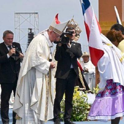 Paz y unidad para Chile, pidió el Papa al despedirse