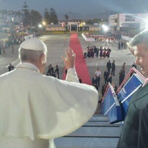 """""""Del dolor y el temor a la alegría y la esperanza"""", el Papa concluyó su visita a Chile y Perú"""