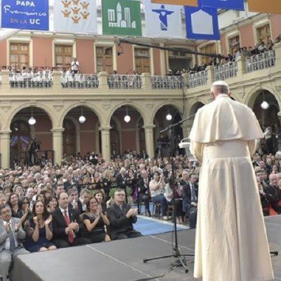 """Papa: reforma de las universidades católicas para una Iglesia """"en salida"""""""