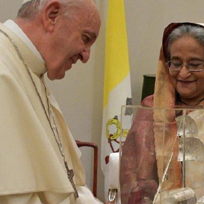 Bangladesh: el Papa conversa con Sheikh Hasina, Primera Ministra