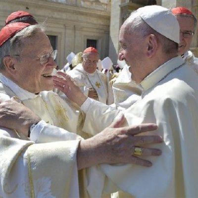 """Cardenal Kasper: """"¿Cómo ser una Iglesia en la tradición apostólica sin la regular celebración eucarística dominical?"""""""