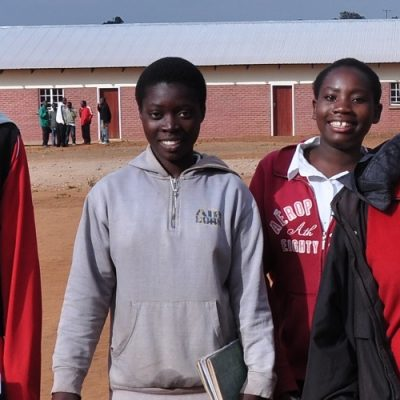 Mujeres refugiadas se encuentran para contar sus historias en el evento anual de Voices of Faith