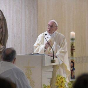 """""""La Iglesia necesita que todos nosotros seamos profetas"""""""