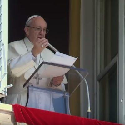 """El Papa en el Regina Coeli: """"Solo la fraternidad puede garantizar la paz duradera"""""""