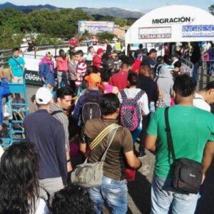 """Relato desde la frontera venezolana: """"Es triste saber que ni agua tienen para tomar"""""""