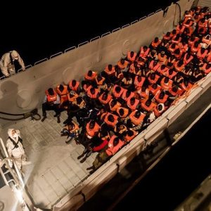 """Obispos españoles siguen cerrando filas solidarias con los refugiados del """"Aquarius"""""""