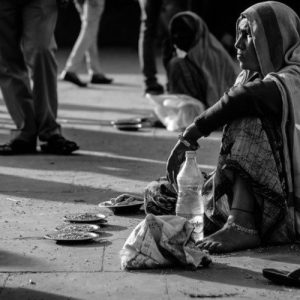 El Papa pide a la Iglesia que escuche el grito de los pobres y responda
