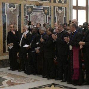 """Francisco aboga por """"recalificar evangélicamente la misión de la Iglesia en el mundo"""""""