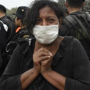 """Guatemala: Oración por las víctimas de la erupción del """"Volcán de fuego"""""""