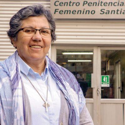 Hermana Nelly León, la capellana de los olvidados