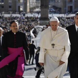 """El Papa a los hermanos de China: """"Saben que no están solos. Toda la Iglesia ora con ellos y por ellos"""""""