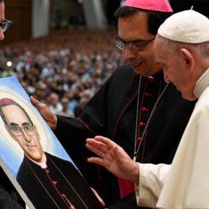 """San Óscar Romero: """"Imagen del buen Pastor que da la vida por sus ovejas"""""""