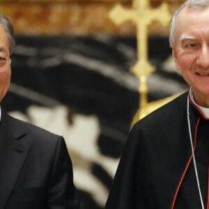 Cardenal Pietro Parolin: El Papa disponible a ir a Corea del Norte