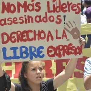 Colombia: 110 líderes sociales asesinados y 38 mil desplazados en ocho meses