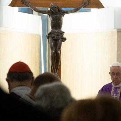 """Santa Marta: Francisco invita a celebrar la Navidad """"con verdadera fe"""""""