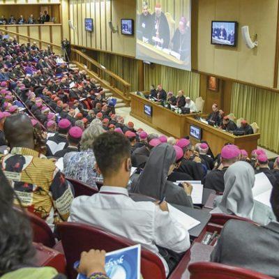Hacer Iglesia joven desde Roma y para todo el mundo