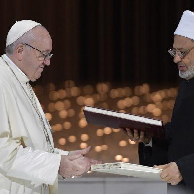 """Emiratos Árabes: Histórico """"Documento sobre la fraternidad humana"""""""
