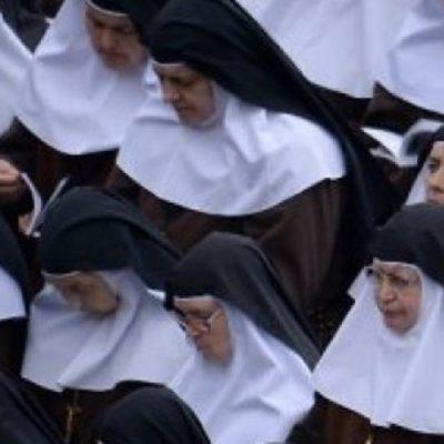 """Papa reconoce histórico y """"vigente"""" abuso de sacerdotes y obispos a monjas"""