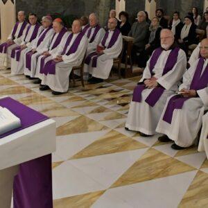 """Misa del Papa en Santa Marta: """"No juzguen a los demás, no condenen, y perdonen"""""""