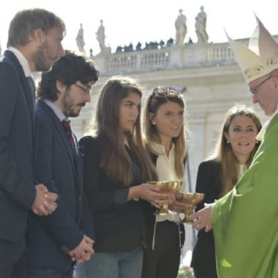 """""""Vive Cristo, esperanza nuestra"""": Exhortación postsinodal del Papa en forma de Carta a los jóvenes"""