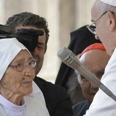 """África: La misionera sor Maria Concetta es premiada por su labor """"al servicio de la vida"""""""
