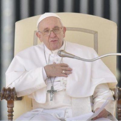 """Francisco lamentó que """"el mundo todavía está poblado por guerras y formas de explotación"""""""