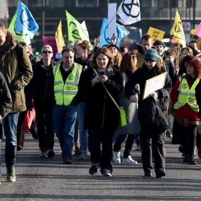 Reino Unido: La lucha contra el cambio climático se transforma en desobediencia civil