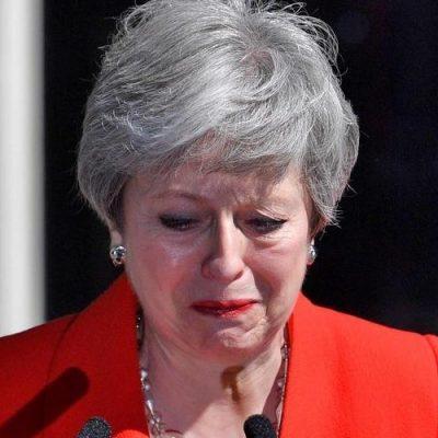 Sin poder encontrar una solución al brexit, renuncia la premier del Reino Unido