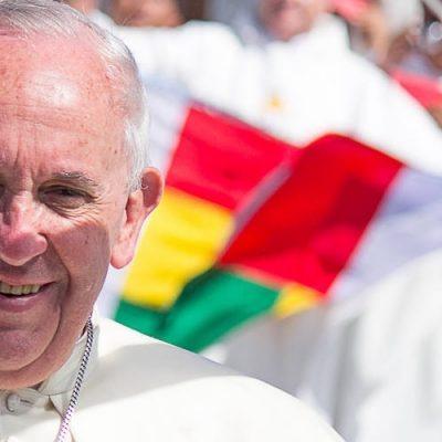 """El Papa invita a """"superar los temores y eliminar las barreras que nos separan de los demás"""""""