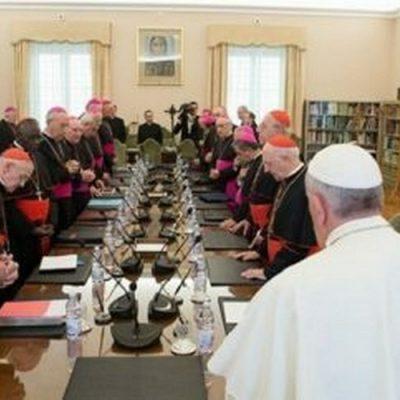 """Consejo de cardenales espera terminar la reforma de la Curia """"antes de fin de año"""""""