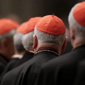 Nueva Constitución sobre la Curia Romana prevé un papel para los laicos en la elección de los obispos