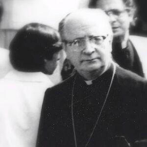 """Estreno documental """"Enrique Alvear: El obispo de los pobres"""""""