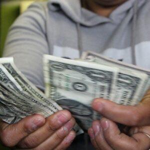 Venezuela: Dolarización perversa y deformación de la economía